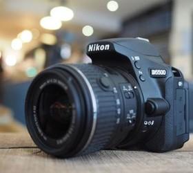 Máy ảnh Nikon D5500